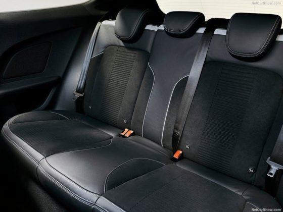 Ford Fiesta ST 2018 interior 560x420