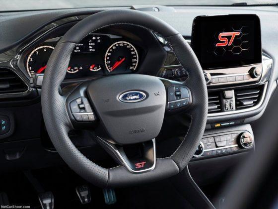 Ford Fiesta ST interior 560x420