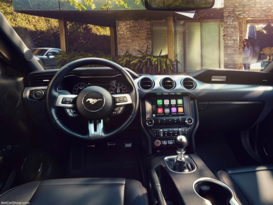 Ford Mustang GT 2018 Interior 560x420